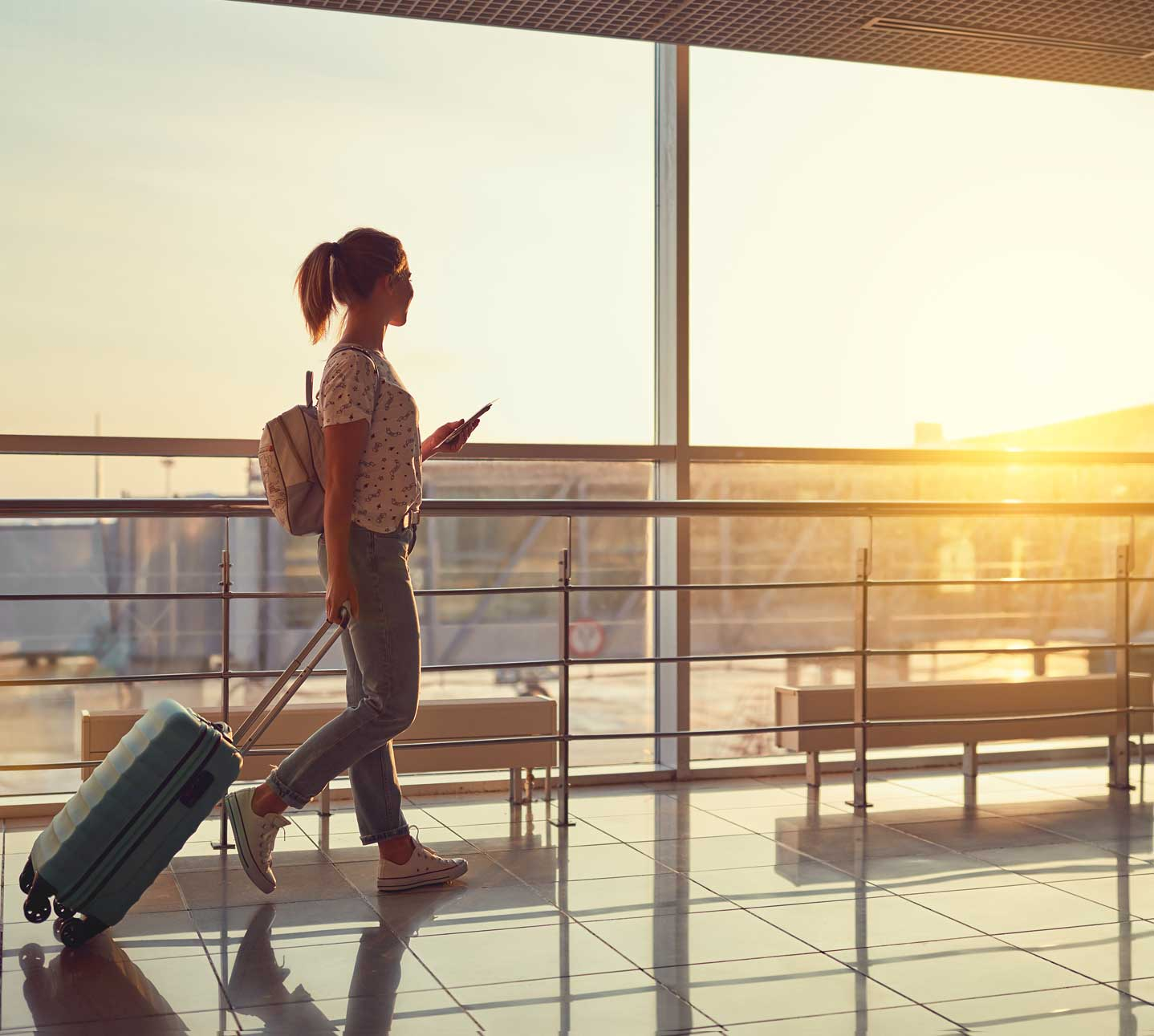 ragazza in aeroporto a Treviso